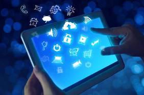 Digitale Technologien werden mittlerweile auch in ländlichen Regionen und traditionellen Branchen zum unerlässlichen Erfolgsfaktor. Foto: chaiyapruek2520/iStock