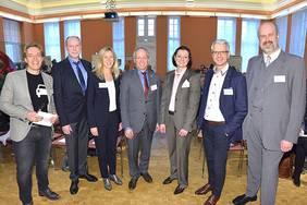 Die Teilnehmer der Podiumsdiskussion beim Fachkräfte-Forum diskutierten unterschiedliche Blickwinkel hinsichtlich einer neu gestalteten Arbeitswelt. Quelle: Thorsten Ritzmann
