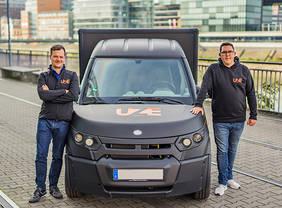 Auf geht's nach Bremen: (v.l.) Dr. Dr.-Ing. Alexander N. Jablovski, CEO & Co-Founder, und Sebastian Thelen CDO & Co-Founder, Quelle: Redhead