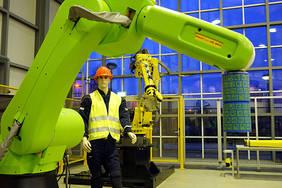 Mit dem Aufbau eines Demonstrators für die Zusammenarbeit von Mensch und Roboter haben die Forschungen nun Fahrt aufgenommen. Quelle: BIBA Aaron Heuermann