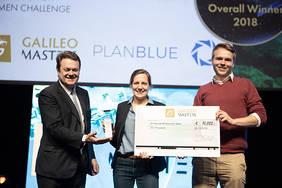 Das Team von Plan Blue gewinnt die Space Oscars in Marseille. Quelle: AZO - Space of Innovation