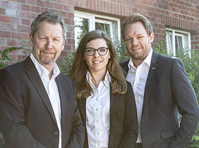 Generationswechsel beim Bremer Familienunternehmen Suhren (von links): Michael Suhren, Julia Suhren und Marc Zielinski. Quelle: a&o mediendesign GmbH