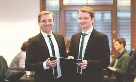 Die worldiety Gründer Adrian Macha und Torben Schinke; Foto: worldiety GmbH