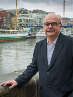 Dr. Reinhard Ahlers
