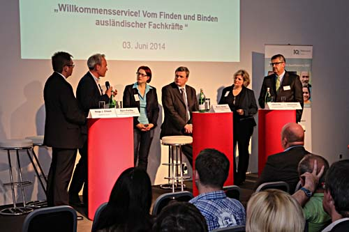 """Björn Portillo, Vorstandsvorsitzender von bremen digitalmedia, stellte beim """"i2b meet up"""" das gemeinsame Projekt mit der Volkshochschule vor."""