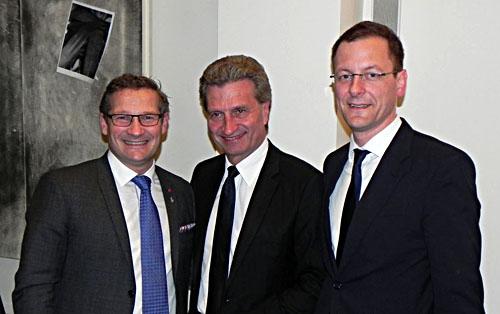 Senator Martin Günthner (r.) mit EU-Kommissar Günther Oettinger und dem stellvertretenden Bürgermeister von Malmö, Milan Obradovic (l.). Foto: Pressereferat, Senator für Wirtschaft