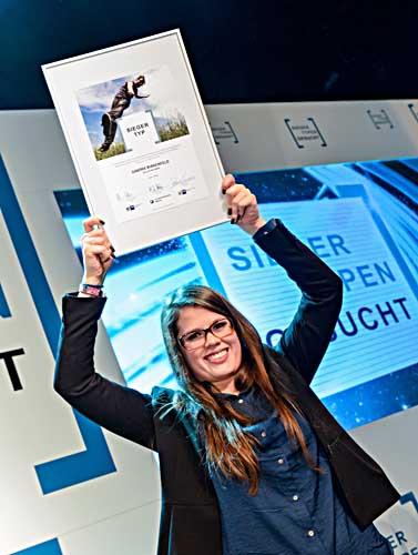 Die Erstplatzierte des Siegertypen-Wettbewerbs 2013: Sandra Birkenfeld erhielt den Preis für ihr großes Engagement. Foto: Frank Pusch