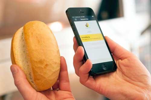 Lebensmittel, Kosmetika, Konsumgüter oder Dienstleistungen: Die App zur mobilen Konsumentenbefragung des TTZ Bremerhaven liefert wichtige Erkenntnisse für die Produktoptimierung und Markteinführung. Foto: TTZ Bremerhaven/ Christian Colmer.