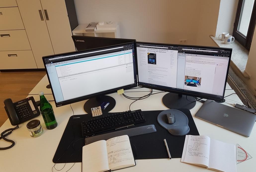Das Bullet Journal fehlt niemals auf dem Schreibtisch. Quelle: Axel Rotter