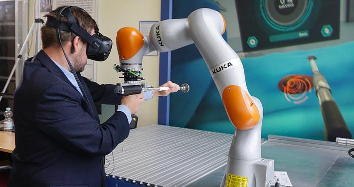 202006 Chirurgie und Roboter