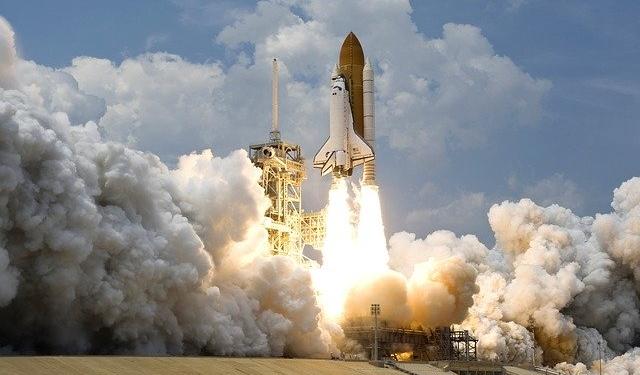 Luftfahrt, Raumfahrt Rakete
