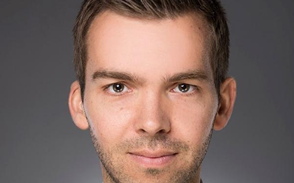 """Portrait von Marius Buchmann ist Projektleiter der Arbeitsgruppe """"Bremen Energy Research"""" an der Jacobs University"""